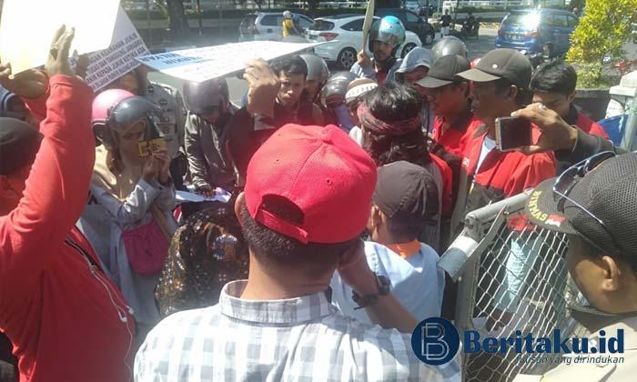Demo, Solidaritas Jukir Minta Pemkot Makassar Evaluasi Kinerja PD. Parkir Makassar Raya