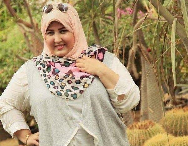 Wanita Cantik Jilbab Gemuk